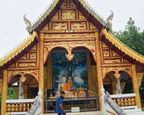Pakistani Muslim Standing at Buddha Temple in Chiang Mai!